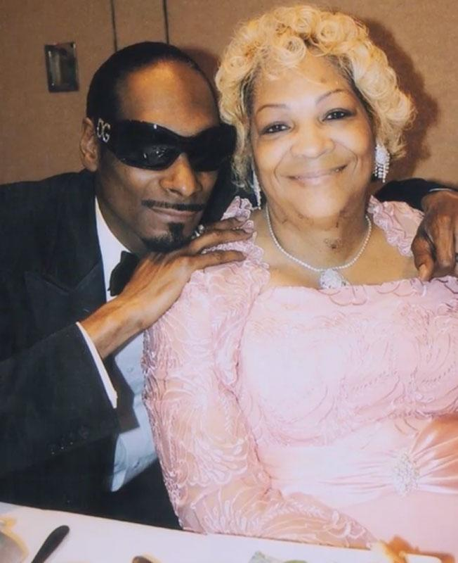 Snoop Dogg and his mother, Beverly Tate | Snoop Dogg