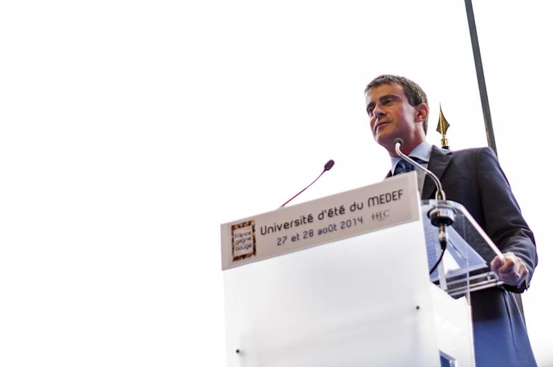 French Prime Minister Manuel Valls gives a speech at the French employers' association on August 27, 2014 in Jouy-en-Josas, southwest of Paris