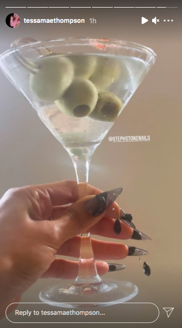<p>The actor got the party off to a great start with a martini with not one but three olives. Oh, and the nails are everything. </p>