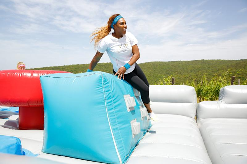 Serena Williams makes her way through the course.