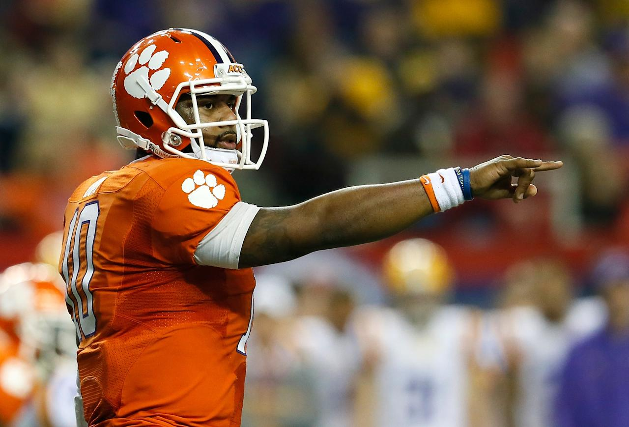 ATLANTA, GA - DECEMBER 31:  Tajh Boyd #10 of the Clemson Tigers points to the LSU Tigers defense during the 2012 Chick-fil-A Bowl at Georgia Dome on December 31, 2012 in Atlanta, Georgia.  (Photo by Kevin C. Cox/Getty Images)