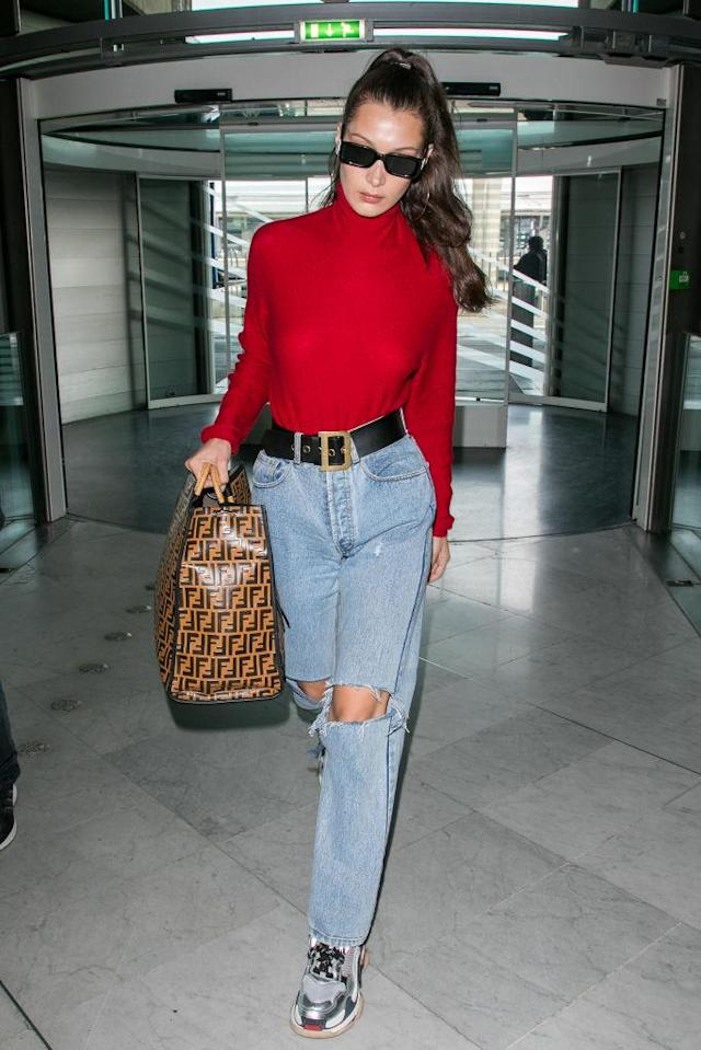 <p>Model Bella Hadid at Charles de Gaulle airport in Paris. (Photo: Marc Piasecki/GC Images) </p>