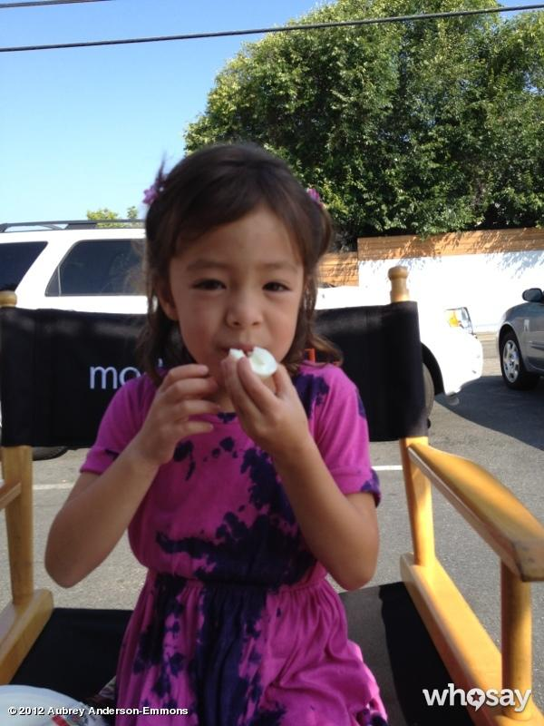 """<a href=""""http://www.whosay.com/aubreyandersonemmons/photos/209295"""">Aubrey refuels on set</a> with a quick snack: """"Day 2 of work & @aubreylily is enjoying her favorite #ModernFamily crafty snack: a HARD BOILED EGG!!"""""""