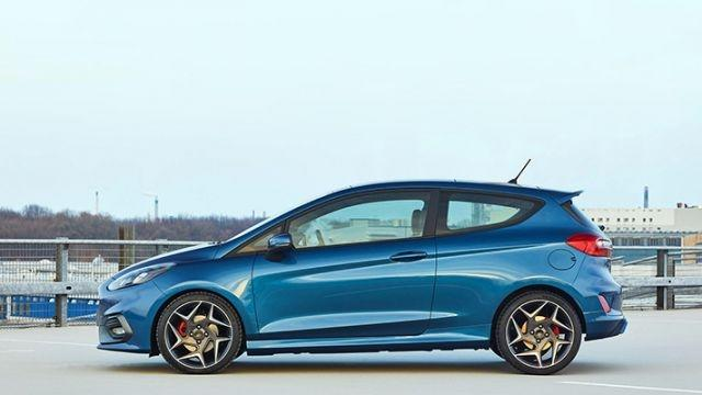 Heritage GT, performance models among Ford highlights at Geneva