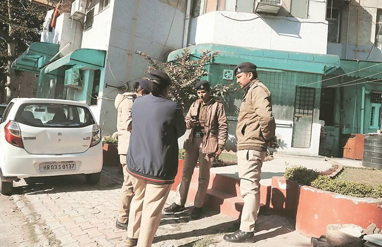 Chandigarh triple murder, Chandigarh triple murder case, Chandigarh murder case, Chandigarh suicide and murder case, Chandigarh suicide case, Chandigarh Modern Housing Complex suicide, Modern Housing Complex Chandigarh suicide, Chandigarh news, city news, Indian Express