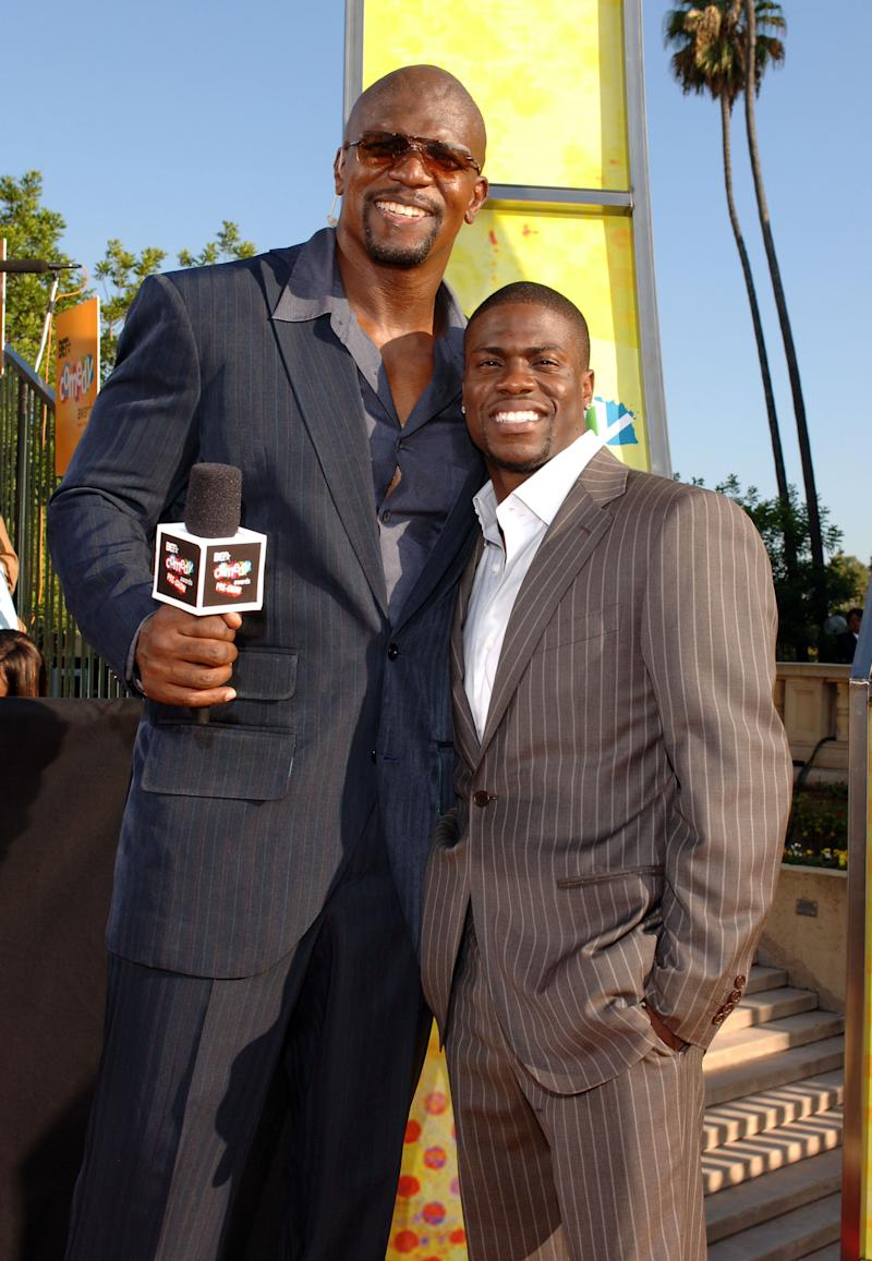 Terry Crews and Kevin Hart on the 2005 BET Comedy Awards' red carpet. (L. Cohen via Getty Images)