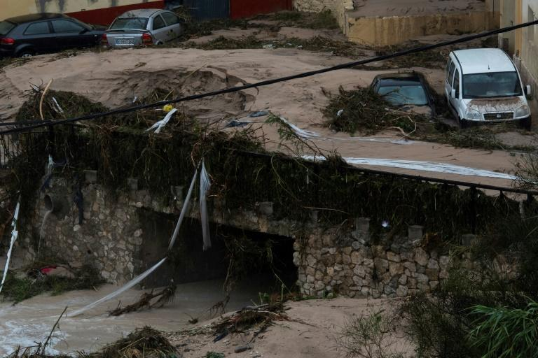 Fast-flowing waters caused widespread damage in Ontinyent and elsewhere in the area, in some cases sweeping cars away