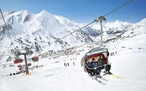 Chairlift and ski slopes in Obertauern