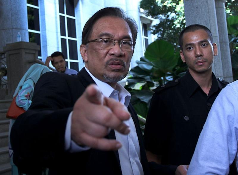 Anwar rejoins political fray after release from jail
