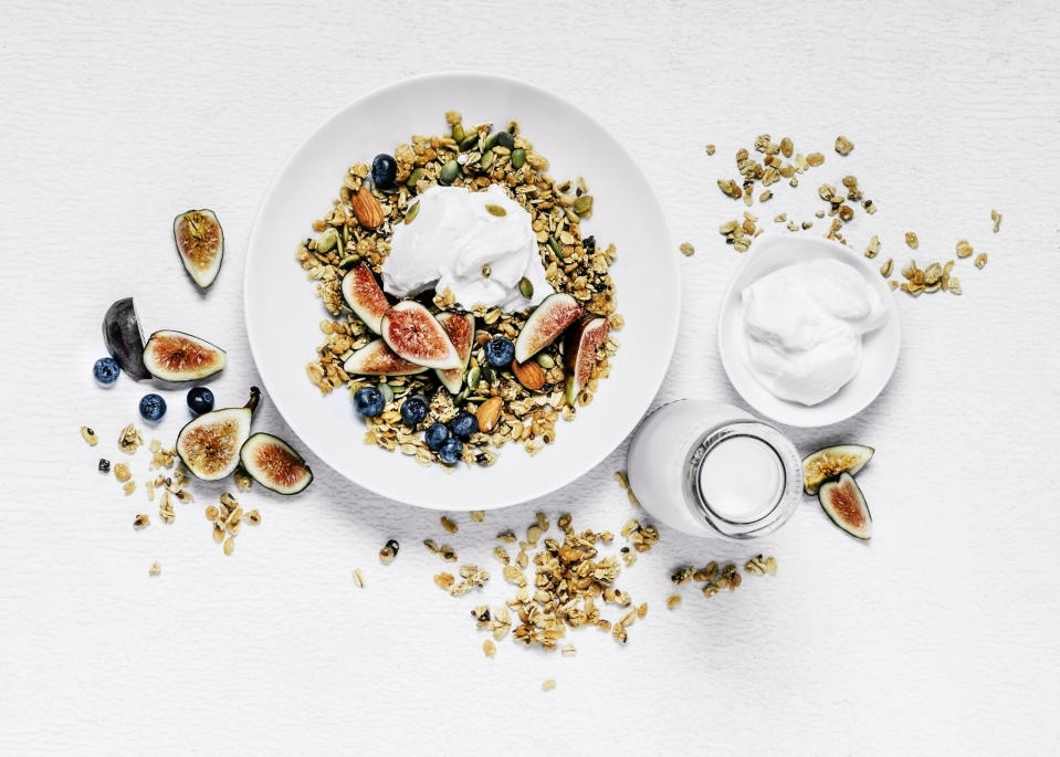 Breakfast bowl with figs and blueberries