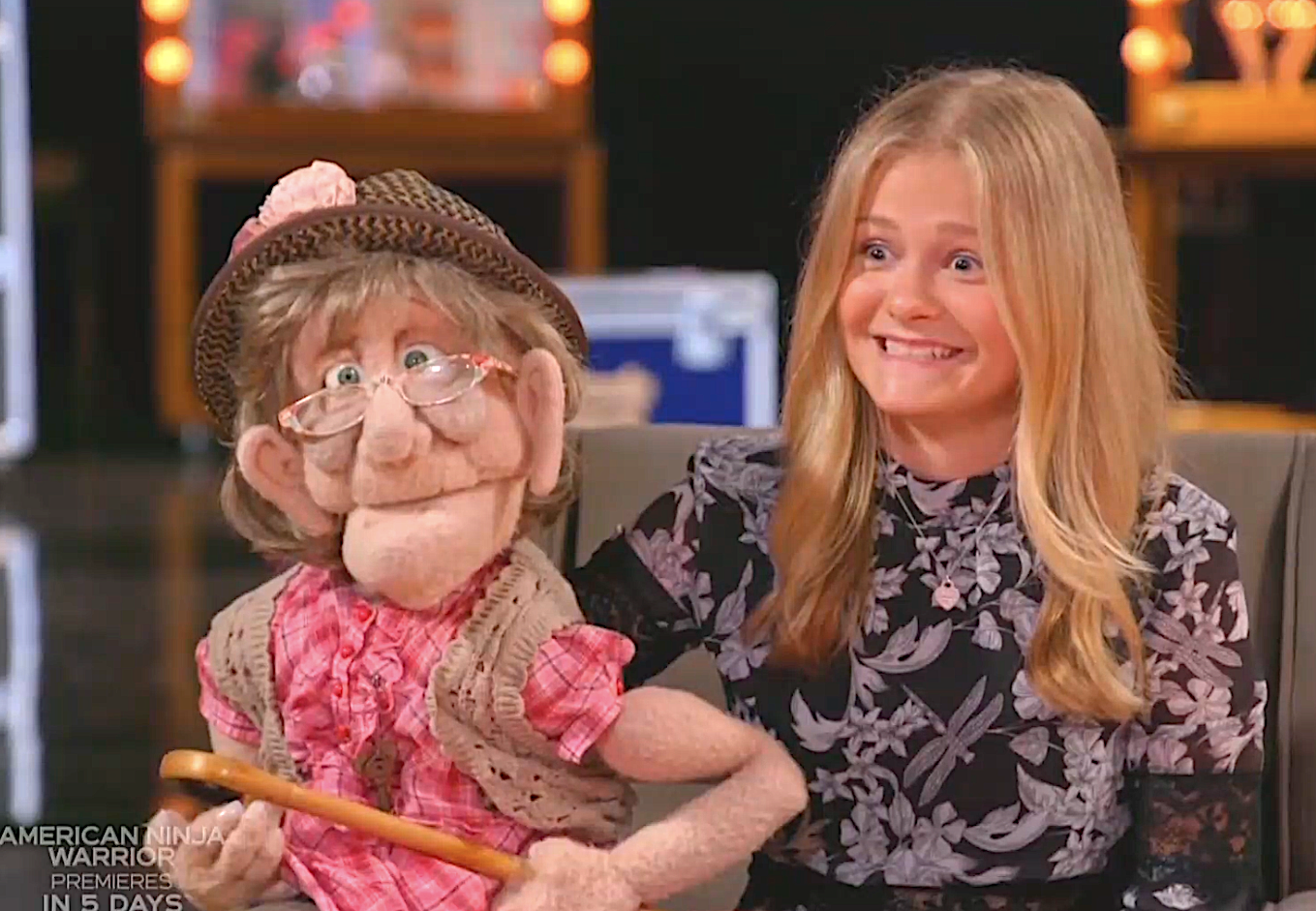 Darci Lynne politely reacts to Sofia Vergara's ventriloquism act. (Photo: NBC)