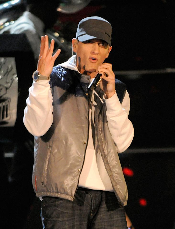 """<a href=""""http://movies.yahoo.com/movie/contributor/1802147734"""">Eminem</a> performs during the 18th Annual MTV Movie Awards - 05/31/2009"""