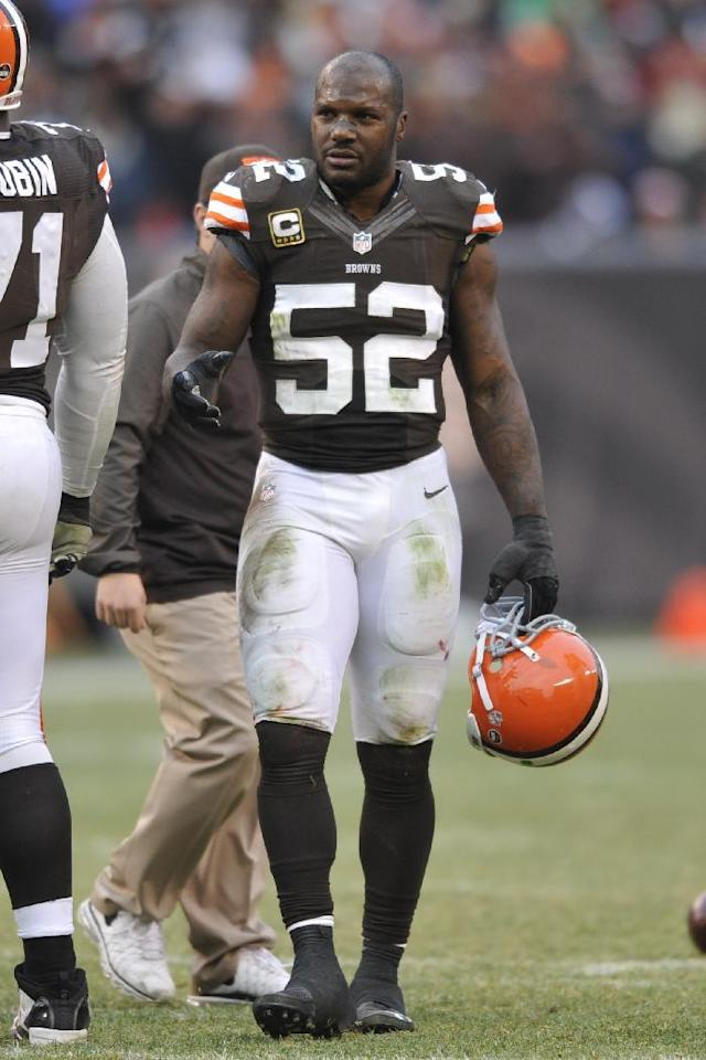 Cleveland Browns inside linebacker D'Qwell Jackson during an NFL football game against the Jacksonville Jaguars Sunday, Dec. 1, 2013, in Cleveland. Jacksonville won 32-28. (AP Photo/David Richard)