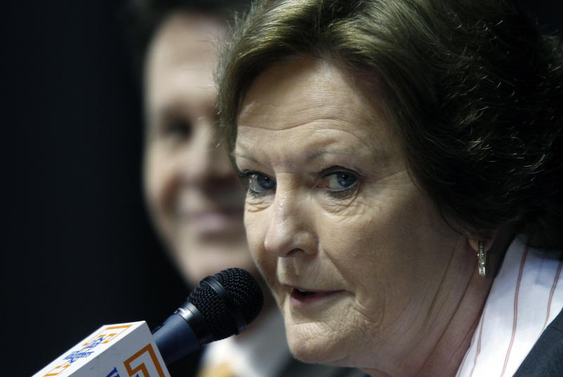 """Former Tennessee women's college basketball coach Pat Summitt appears at a news conference Thursday, April 19, 2012, in Knoxville, Tenn. Summitt said it's been a """"great ride"""" and it is the right time for her to step down after coaching the Tennessee Lady Vols for nearly four decades. (AP Photo/Wade Payne)"""