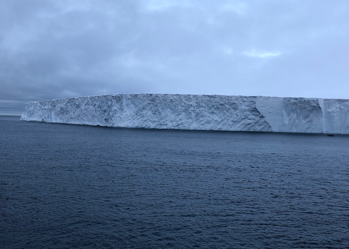 Iceberg A-68 in close up (Wikimedia Commons)