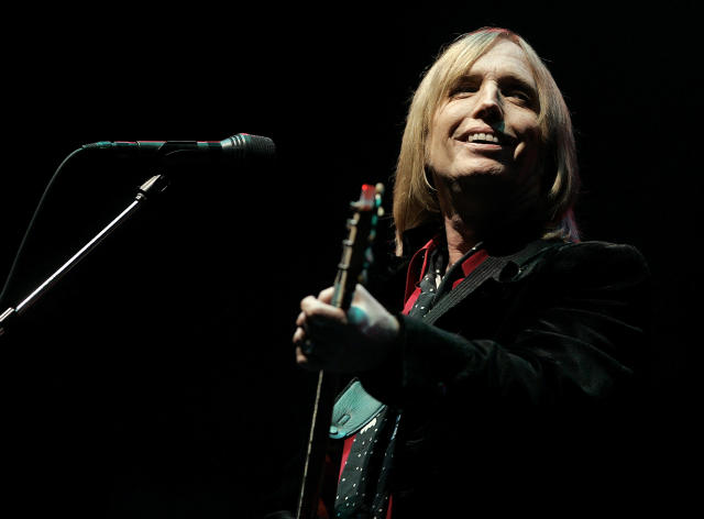 Tom Petty performs at the Bonnaroo Music & Arts Festival on June 1, 2006.  (Photo: AP/Mark Humphrey)