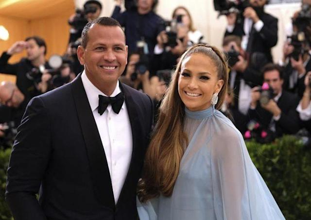 Alex Rodriguez and Jennifer Lopez arrive at the Met Gala in New York City, May 1. (Photo: AP)