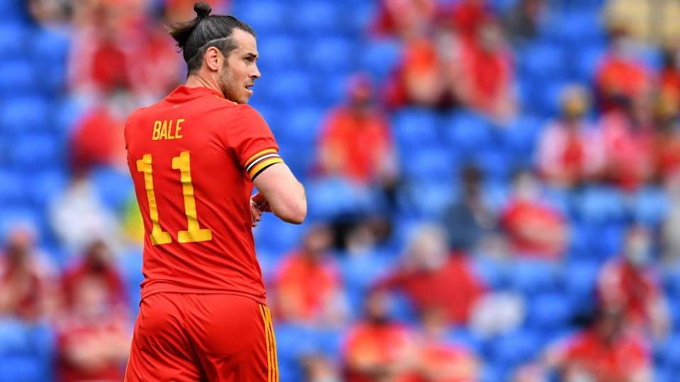 Bale, con Gales   Athena Pictures/Getty Images