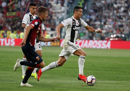 Soccer Football - Serie A - Juventus v Genoa - Allianz Stadium, Turin, Italy - October 20, 2018  Juventus' Cristiano Ronaldo in action   REUTERS/Stefano Rellandini