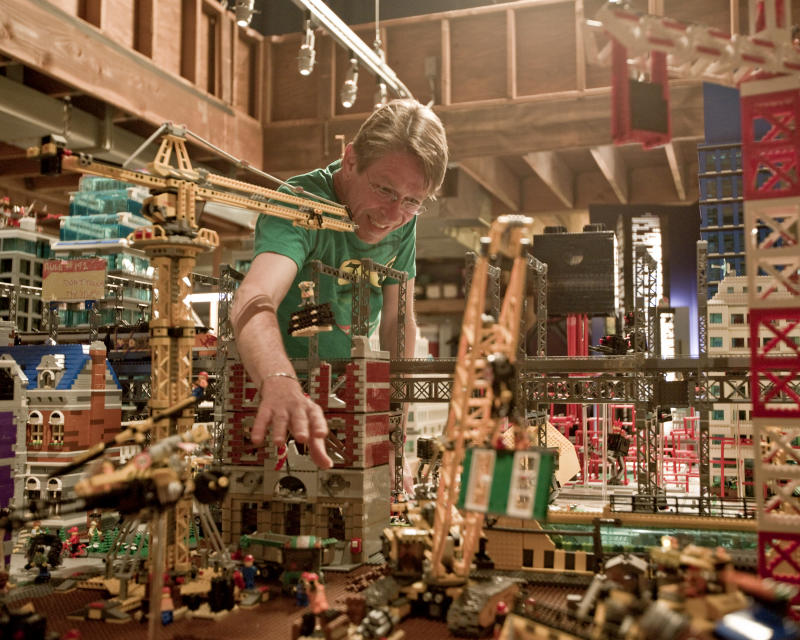 Lego Master Builder Paul Chrzan (Photo: Warner Bros.)
