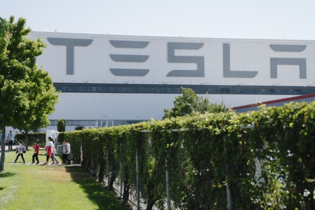 FREMONT, CA - JULY 26: Exterior view of the Tesla factory in Fremont, California, on Thursday, July 26, 2018. (Photo by Mason Trinca for The Washington Post via Getty Images)