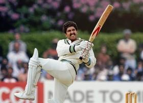More like Kapil Dev (paaji) as Ranveer Singh: Riteish Deshmukh can't stop LOLing over hilarious photoshop