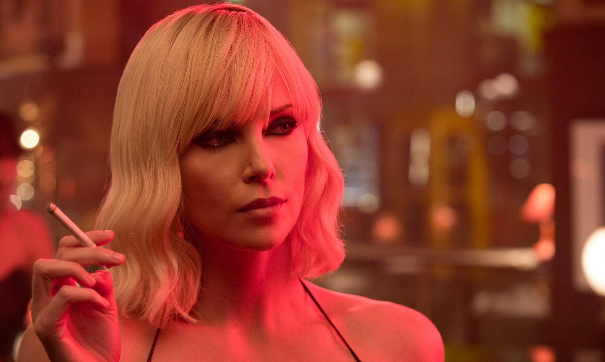 Charlize Theron as MI6 agent Lorraine Broughton in 'Atomic Blonde' (credit: Focus Features)