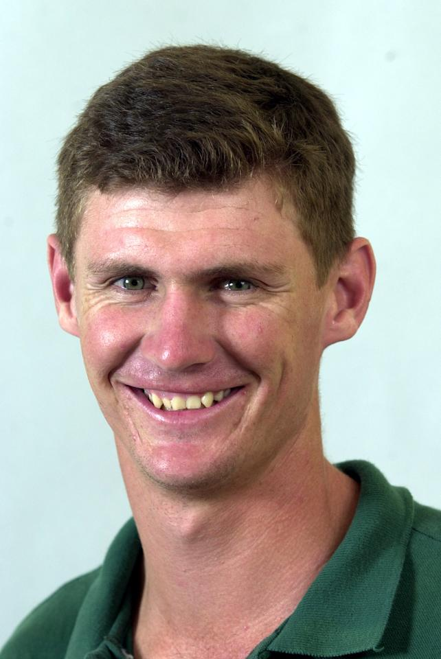 09 Jan 2001:  Douglas Marillier of the Zimbabwe Cricket team poses for a portrait headshot during a photocall  at the Stamford Plaza Hotel in Brisbane, Australia. DIGITAL IMAGE.   Mandatory Credit: Darren England/ALLSPORT