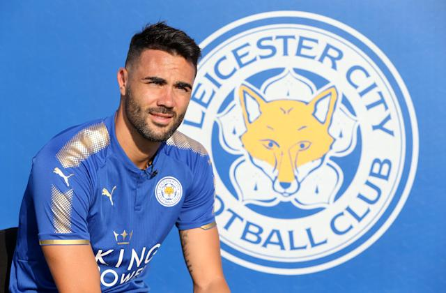 "Is <a class=""link rapid-noclick-resp"" href=""/soccer/players/vicente-iborra/"" data-ylk=""slk:Vicente Iborra"">Vicente Iborra</a>, bought from Sevilla, the ray of light Leicester needs to move back toward the top of the table? (Getty)"