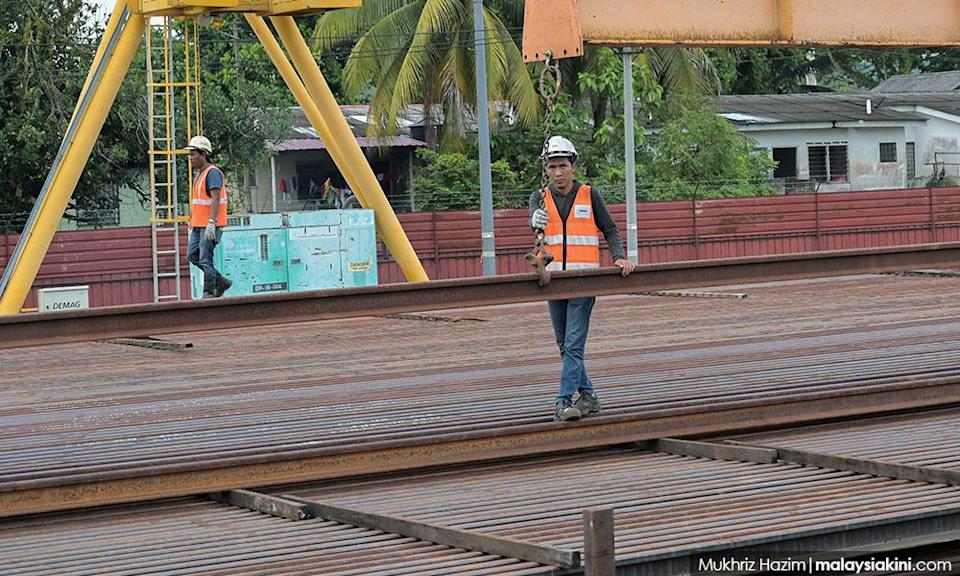 Railway union backs Loke, warns of China involvement in other KTM projects
