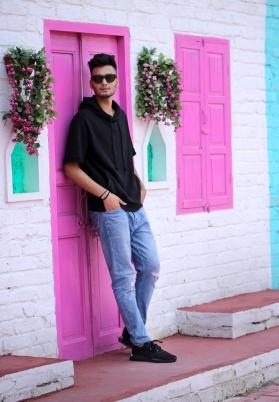 Sahil Saggu a modelling sensation aims to star opposite Bollywood celebrities