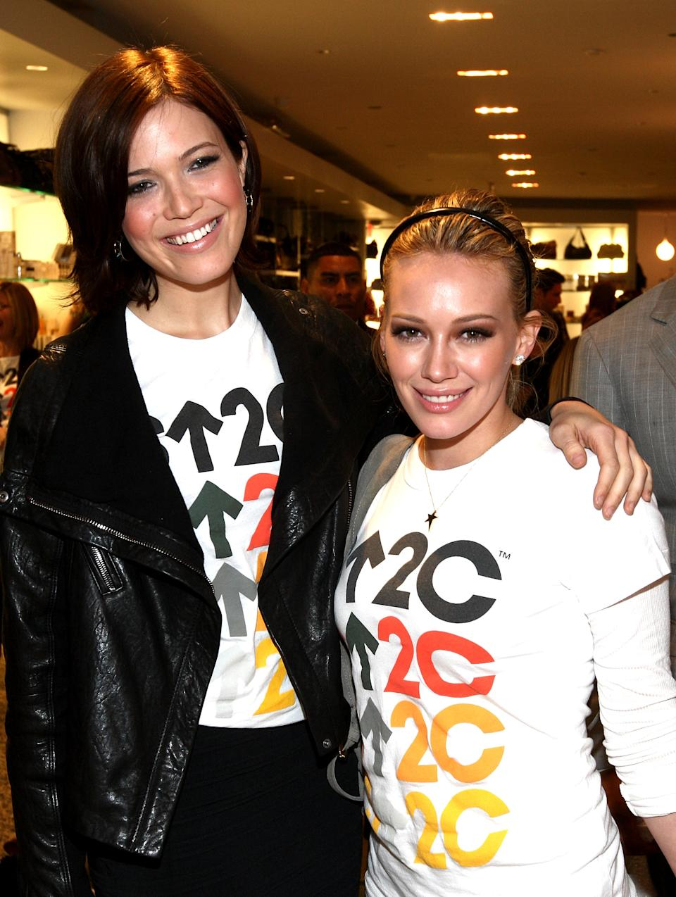 Mandy Moore and Hilary Duff (pictured in 2008) hosted a hangout for their newborn babies, August and Mae. (Photo: Alberto E. Rodriguez/Getty Images)