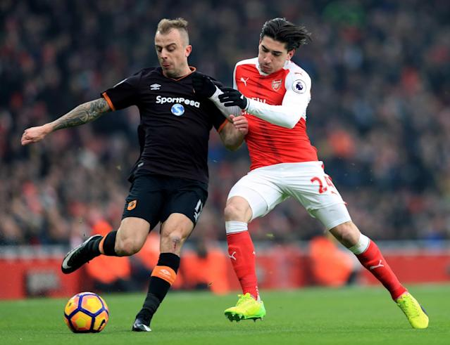 <p>Arsenal's Hector Bellerin and Hull City's Kamil Grosicki (left) </p>
