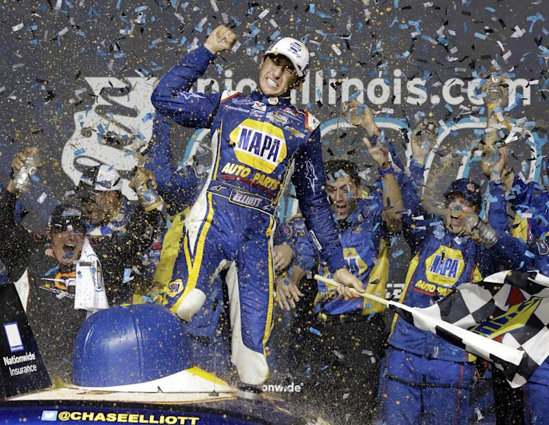 Elliott holds off Bayne for Nationwide win