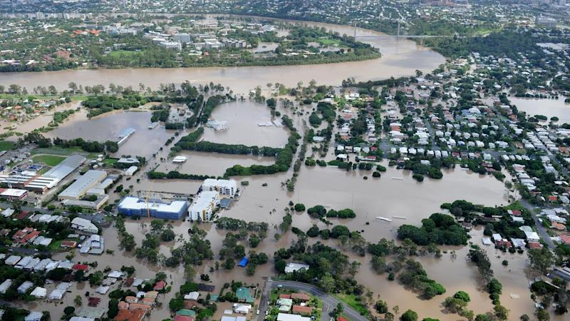 FLOODS QLD