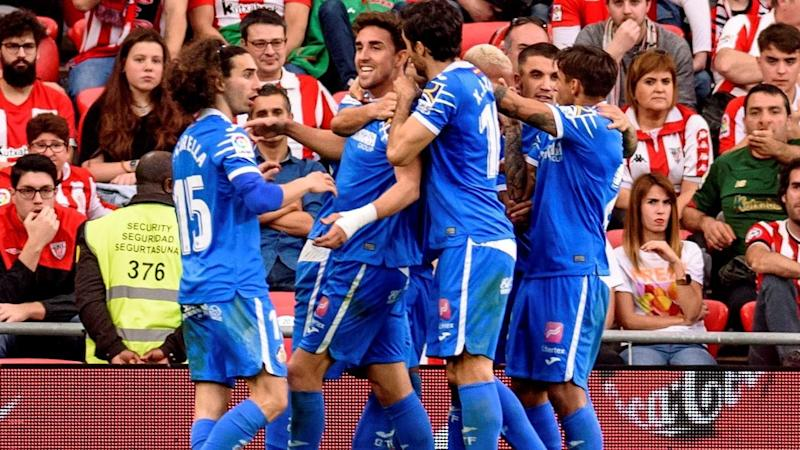 Getafe's Jaime Mata (C) has scored from the penalty sport to seal a 2-0 win over Athletic Bilbao