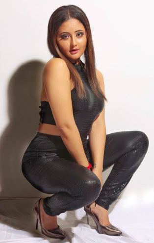 Rashmi charged <strong>1.2 crores</strong> to stay in the house of Bigg Boss in season 13. She was one of the top four contestants of the season.