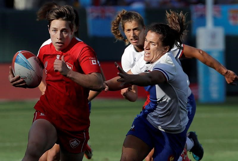 Canadians Ghislaine Landry, Britt Benn named to rugby sevens Dream Team