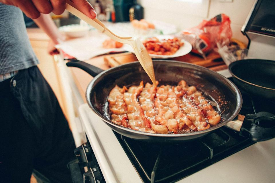 """<p>Prior to the pandemic and mandatory stay-at-home order, I was never much of a cook. I had maybe three <a href=""""https://www.countryliving.com/food-drinks/g648/quick-easy-dinner-recipes/"""" rel=""""nofollow noopener"""" target=""""_blank"""" data-ylk=""""slk:quick and easy dinner recipes"""" class=""""link rapid-noclick-resp"""">quick and easy dinner recipes</a> in my repertoire, and one of them involved just pouring a jar of salsa over some chicken in a slow cooker. When dining out was no longer an option and ordering delivery involved a certain level of risk and exposure to germs, I had no choice but to up my kitchen game. </p><p>I've always enjoyed cooking, but the underlying fear of burning down my apartment kept me from experimenting much beyond <a href=""""https://www.countryliving.com/food-drinks/g4397/summer-slow-cooker-recipes/"""" rel=""""nofollow noopener"""" target=""""_blank"""" data-ylk=""""slk:slow-cooker recipes"""" class=""""link rapid-noclick-resp"""">slow-cooker recipes</a> or baking something in the oven. Quarantine forced me to confront that fear and get to know my kitchen a little better. Although I don't plan on opening my own restaurant anytime soon, the spring of 2020 provided me with an opportunity to expand my horizons and add a few new dishes to my routine. Using meal kit delivery services like <a href=""""https://sunbasket.com/"""" rel=""""nofollow noopener"""" target=""""_blank"""" data-ylk=""""slk:Sun Basket"""" class=""""link rapid-noclick-resp"""">Sun Basket</a> introduced me to new ingredients and cooking methods that took me outside of my comfort zone. It's a great way to get your feet wet instead of just diving head first into the deep end. </p><p>This time spent measuring and mixing taught me some invaluable lessons that I'll rely on for years to come. The most important being that there's nothing to be afraid of. Even folks with a penchant for burning toast can benefit from these helpful tips for creating simple meals that don't sacrifice flavor.</p>"""