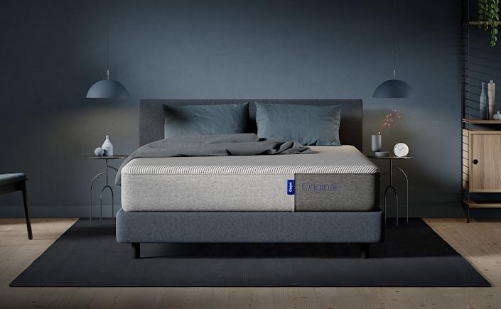 Here's How To Buy Mattress Online, According To Experts