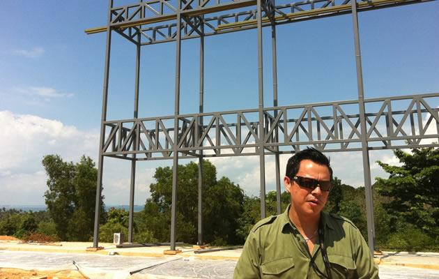 Mike Wiluan in the Batam backlot. This structure can be 'dressed up' as a row of pubs or shops, depending on what the scene requires. (Yahoo! Photo)