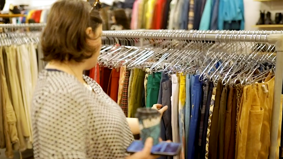 The layout makes it easy for everyone to shop second hand. Photo: Yahoo Lifestyle