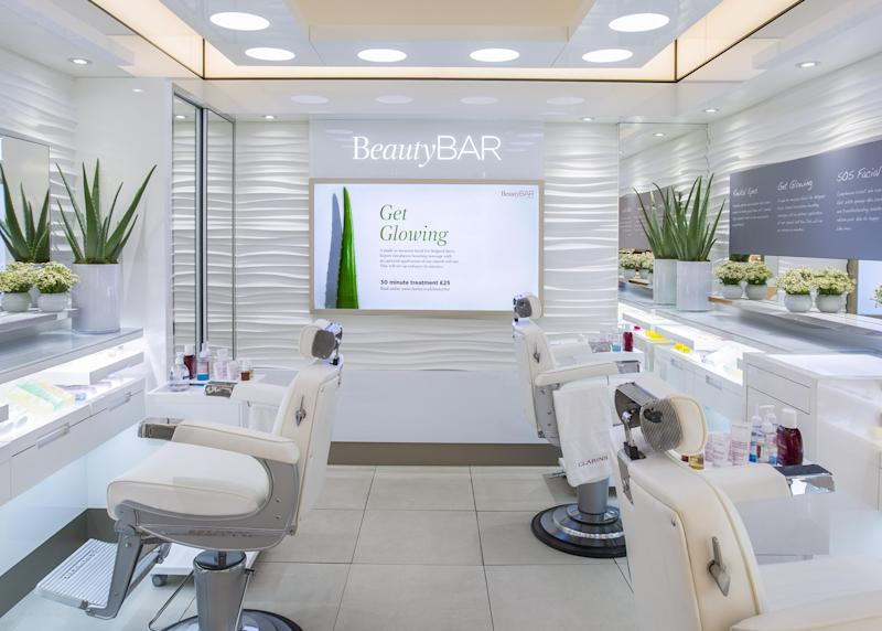 No time? No problem. A facial at Clarins BeautyBAR takes only 30 mins: Clarins BeautyBAR