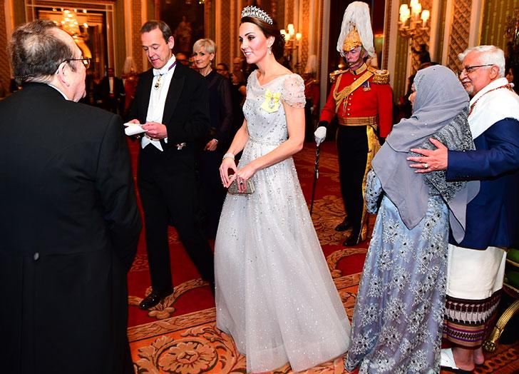 27eda91548a Kate Middleton is a duchess who knows how to make an entrance. But when we  saw pics of her glitzing around Buckingham Palace at last night s annual ...