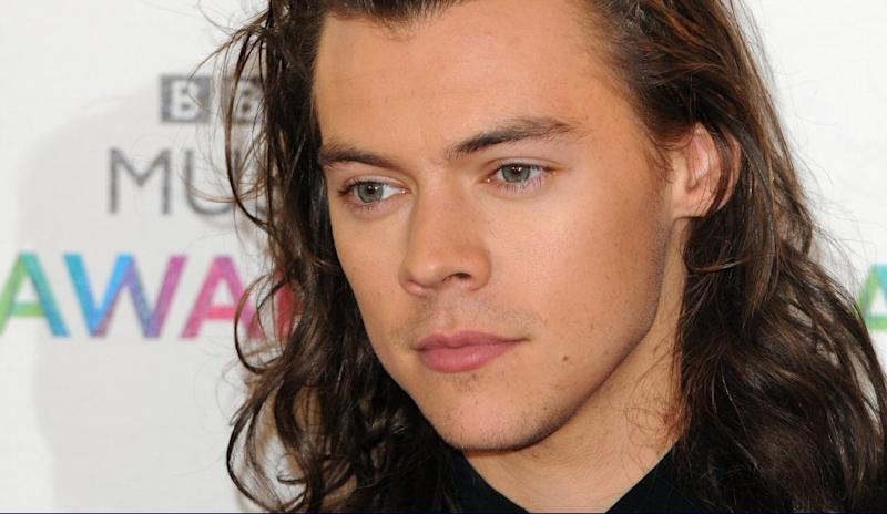 Harry Styles of One Direction is about to drop a rocking new 2017 solo album