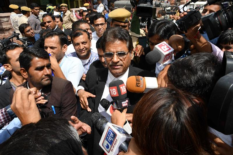 Bollywood actor Salman Khan's advocate Hastimal Saraswat briefs the media outside court (AFP Photo/-)