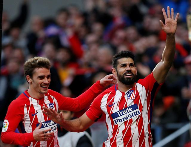 Soccer Football - La Liga Santander - Atletico Madrid vs Athletic Bilbao - Wanda Metropolitano, Madrid, Spain - February 18, 2018 Atletico Madrid's Diego Costa celebrates scoring their second goal with Antoine Griezmann REUTERS/Javier Barbancho