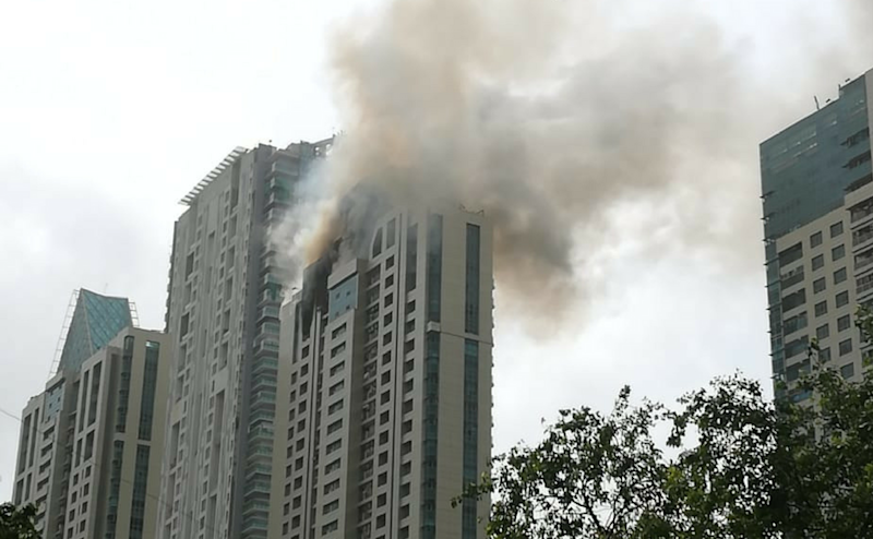 A massive fire which broke out in Worli's Beaumonde Towers on Wednesday has been upgraded to level-III fire now. Fire fighters are present at the spot. The fire broke out on the 33rd floor of the apartment in Appasaheb Marathe Marg in Prabhadevi locality in Worli. Image courtesy: Nevin Thomas