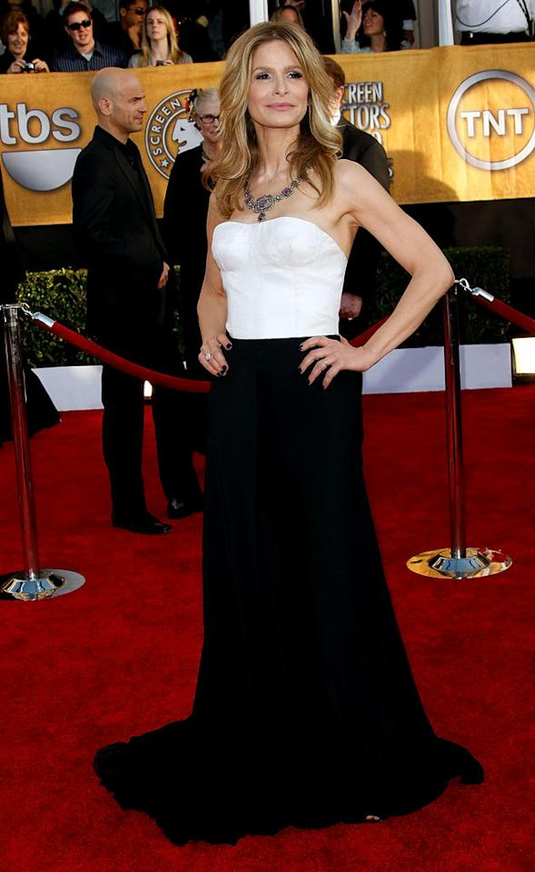 """<a href=""""/kyra-sedgwick/contributor/32709"""">Kyra Sedgwick</a> arrives at the <a href=""""/the-15th-annual-screen-actors-guild-awards/show/44244"""">15th Annual Screen Actors Guild Awards</a> held at the Shrine Auditorium on January 25, 2009 in Los Angeles, California."""