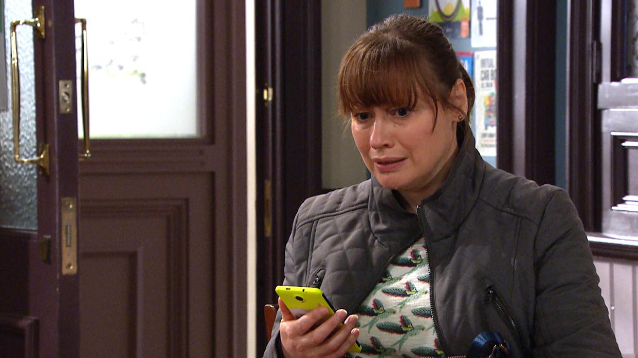 FROM ITV  STRICT EMBARGO  Print media - No Use Before Tuesday 18th May 2021 Online Media - No Use Before 0700hrs Tuesday 18th May  2021  Emmerdale - Ep 9055  Monday 24th May 2021  Despite Sam Dingle [JAMES HOOTON] and SamsonÕs best efforts, Lydia Dingle [KAREN BLICK] sees whatÕs been posted about her online and sheÕs heartbroken by it.   Picture contact David.crook@itv.com   This photograph is (C) ITV Plc and can only be reproduced for editorial purposes directly in connection with the programme or event mentioned above, or ITV plc. Once made available by ITV plc Picture Desk, this photograph can be reproduced once only up until the transmission [TX] date and no reproduction fee will be charged. Any subsequent usage may incur a fee. This photograph must not be manipulated [excluding basic cropping] in a manner which alters the visual appearance of the person photographed deemed detrimental or inappropriate by ITV plc Picture Desk. This photograph must not be syndicated to any other company, publication or website, or permanently archived, without the express written permission of ITV Picture Desk. Full Terms and conditions are available on  www.itv.com/presscentre/itvpictures/terms